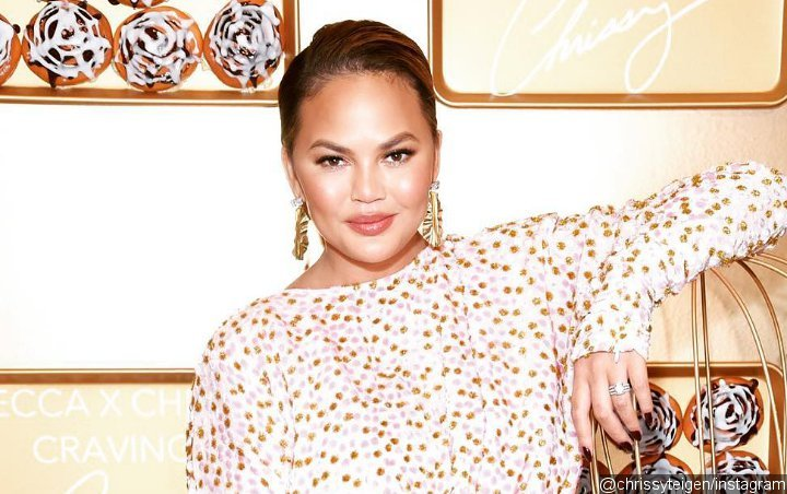 Chrissy Teigen Accidentally Flashes Her Crotch in Los Angeles