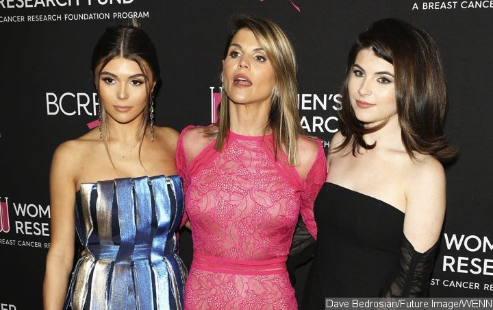 Lori Loughlin's Daughters Keep It Low-Key in First Sighting Since College Admissions Scandal