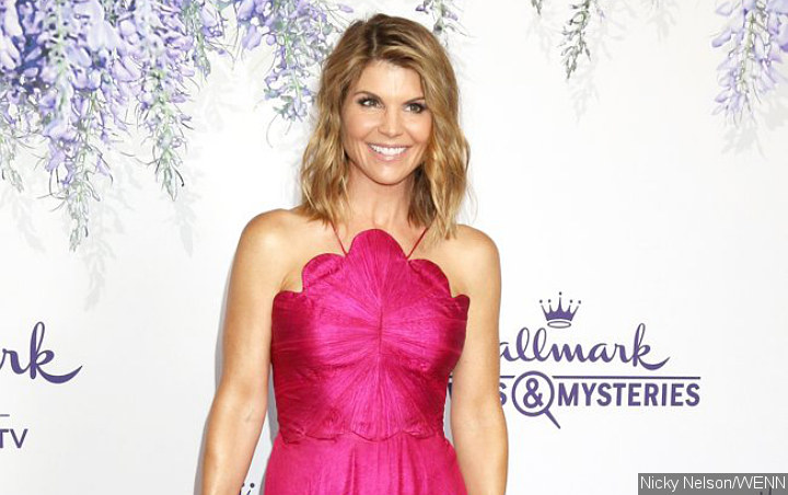 Lori Loughlin to Fight Charges Related to College Admission Scam With Not Guilty Plea