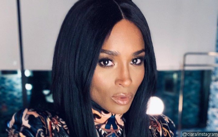 Ciara Ditches Make-Up and Hair Extensions in 'Rawest' Pic: 'Join Me!'