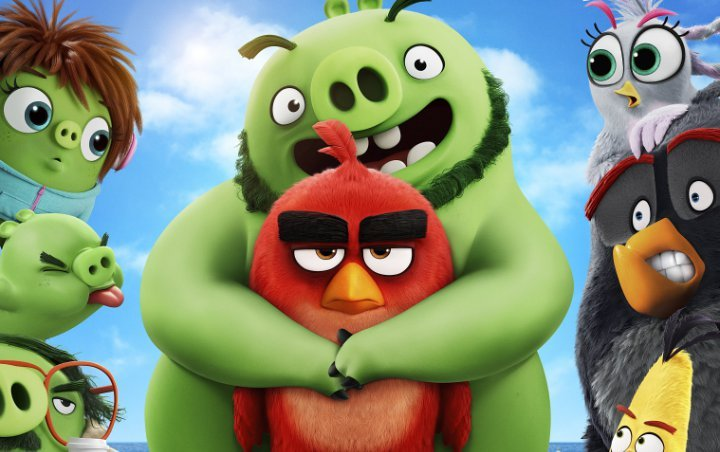 Josh Gad Pulls Catapult Stunt at 2019 Cannes for 'Angry Birds Movie 2' Launch