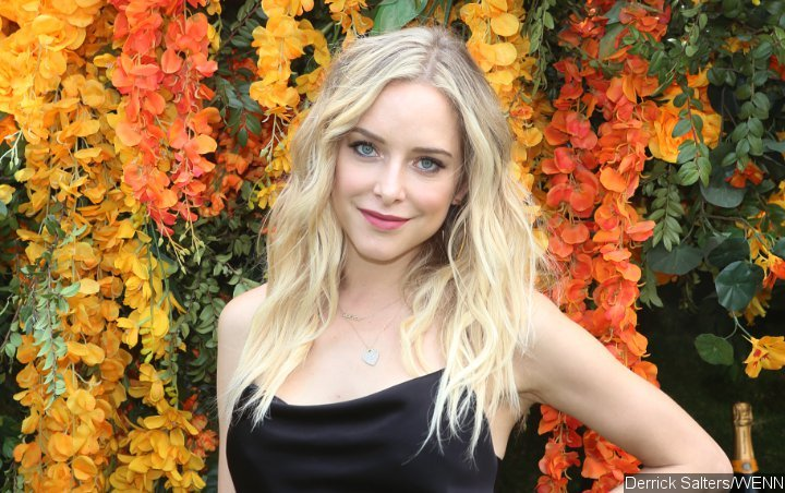 Jenny Mollen Commemorates 40th Birthday With Bat Mitzvah