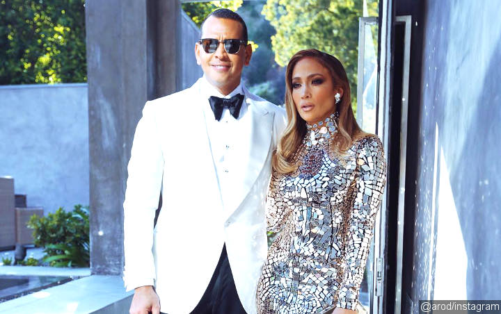 Alex Rodriguez Soothes Crying Jennifer Lopez With Sweet Words After Onstage Blunder