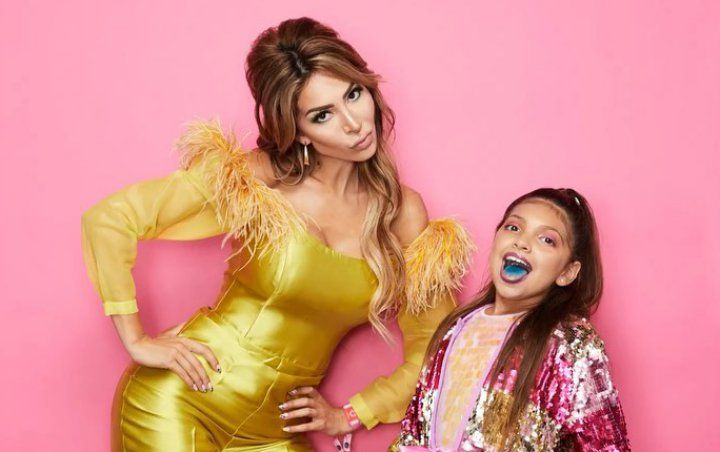 Farrah Abraham Blasted for Putting Heavy, 'Terrible' Makeup on Daughter Sophia at Beautycon LA
