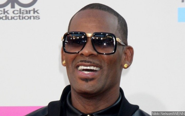 R. Kelly Permitted to Mingle With General Prison Population