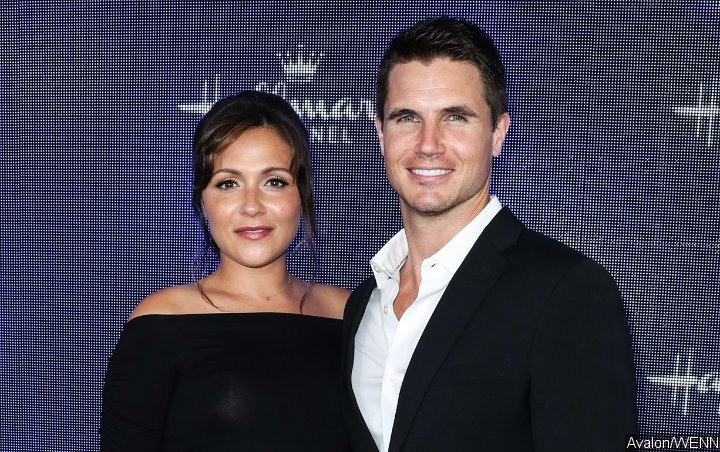 Italia Ricci Gives Birth to First Child With Robbie Amell