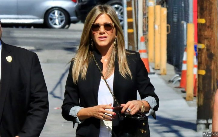 Jennifer Aniston Admits to Having 'Stalker' Account Before Officially Joining Instagram