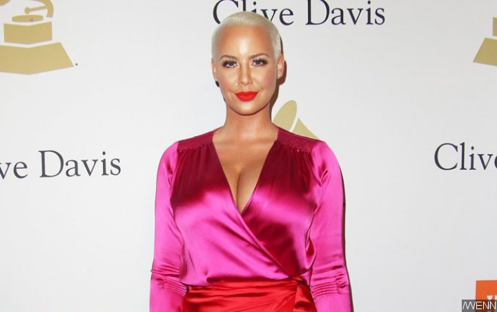 Amber Rose Baffles Fans as Her Controversial Forehead Tattoo Is Gone