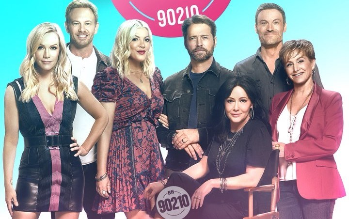 Tori Spelling Hints at Reunion for 'Beverly Hills, 90210' 30th Anniversary