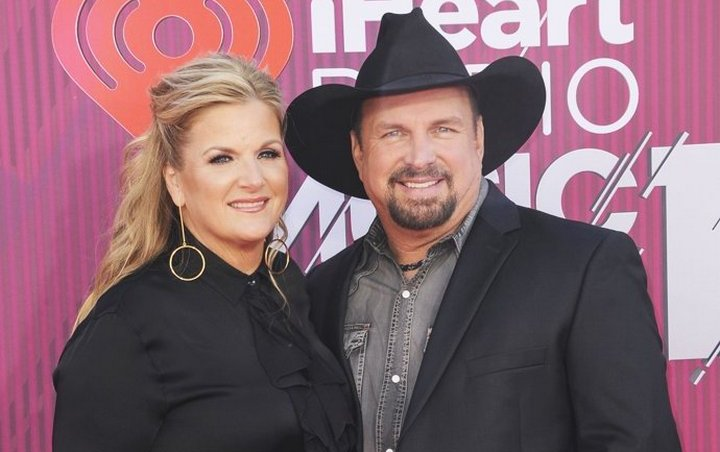 Garth Brooks and Wife Given All Clear Following Coronavirus Scares