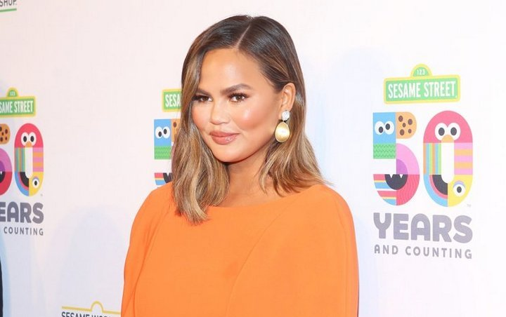 Pregnant Chrissy Teigen Ordered by Doctor to Stay in Bed for Two Weeks