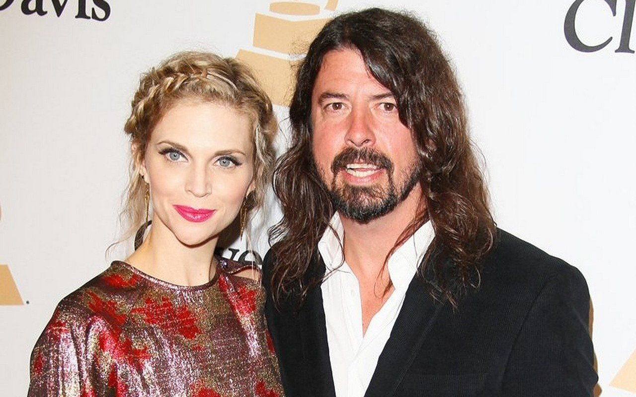 Dave Grohl's Family Desperate to Stay Away From Him During Pandemic
