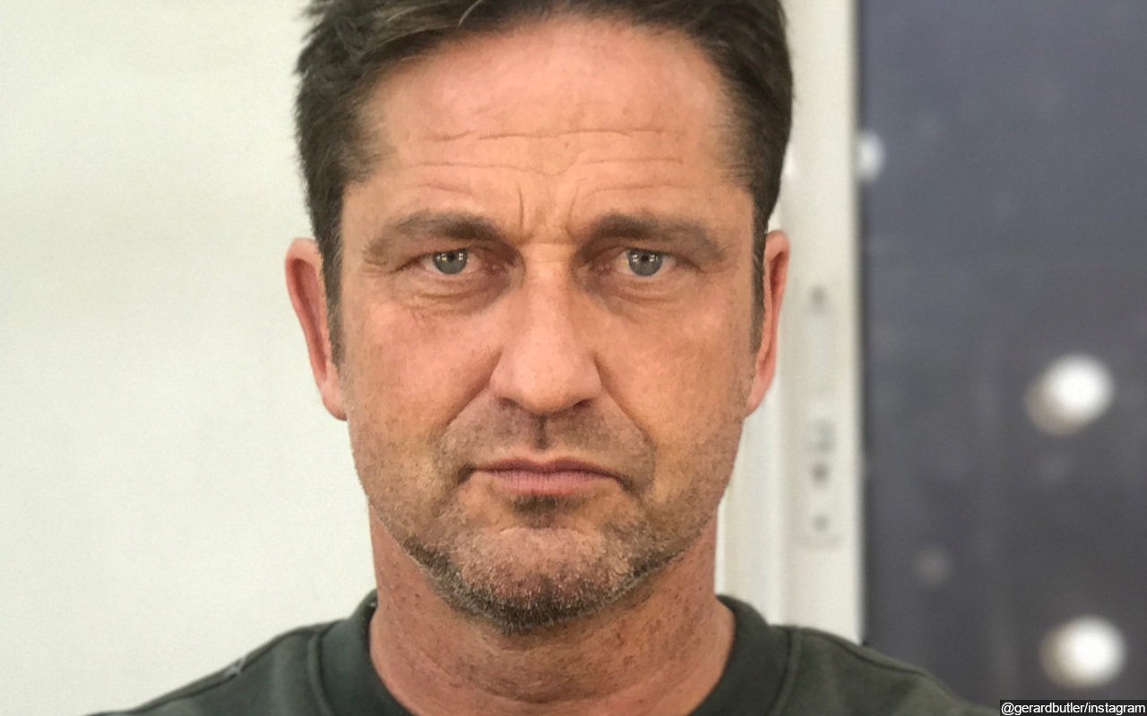 Gerard Butler Took Friends to Release Turtles to Ocean on His 50th Birthday