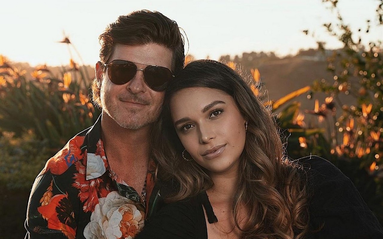 Robin Thicke Got Broody for Third Child With Fiancee Due to Covid-19 Lockdown