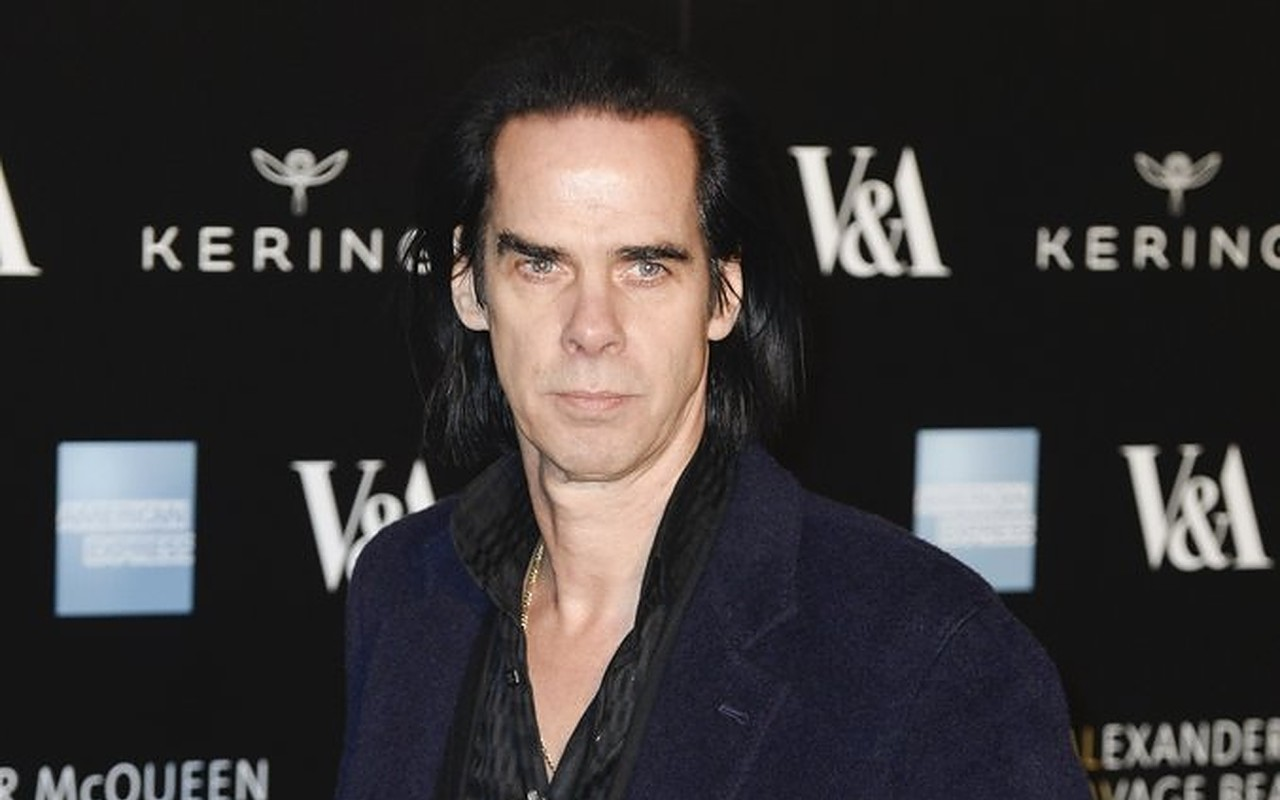 Nick Cave and His Band Offer Over 100 Prizes to Raise Funds for Tour Crew Amid Covid-19 Pandemic