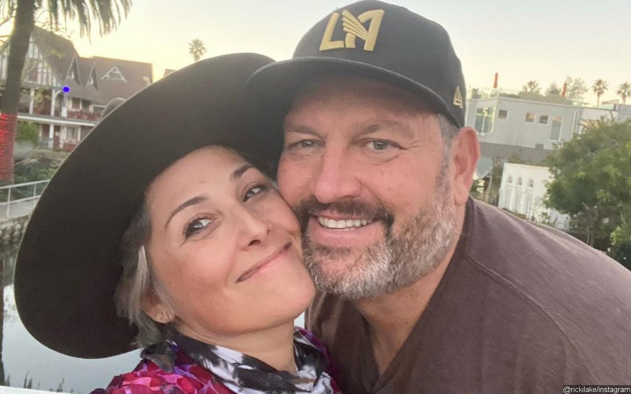 Ricki Lake Steps Out With New Fiance After Engagement Announcement