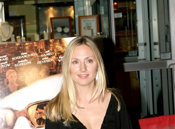 Hope Davis - Photo Set