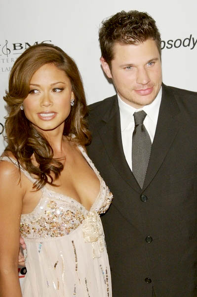 nick lachey and girlfriend