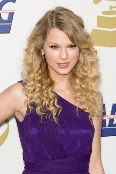 Taylor Swift held a low-key party at her home in Hendersonville,