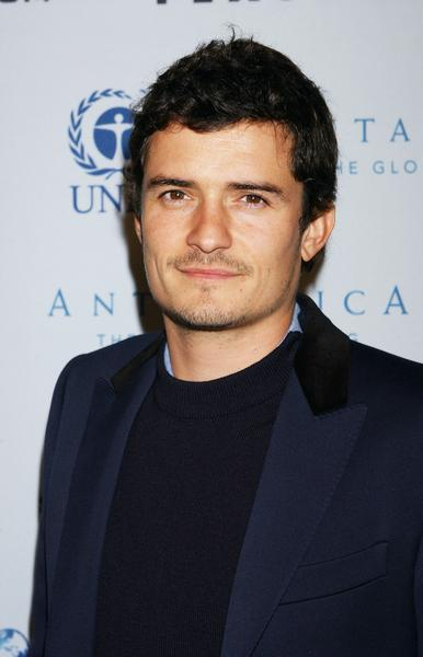 Orlando Bloom and Miranda Kerr Spotted Canoodling in London