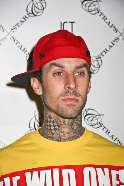 travis barker injury