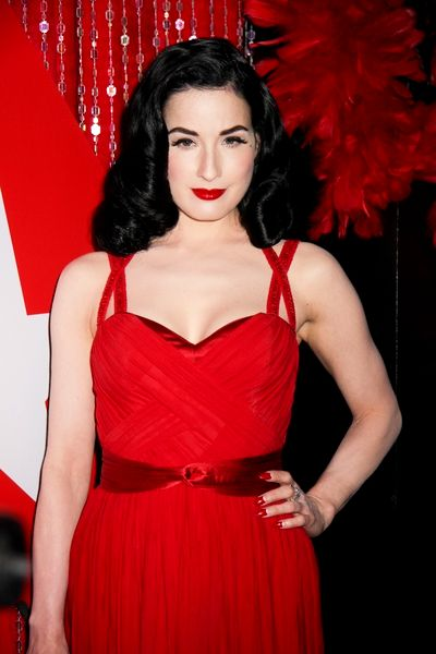 burlesque queen dita von teese unveils her new wonderbra lingerie line. Black Bedroom Furniture Sets. Home Design Ideas