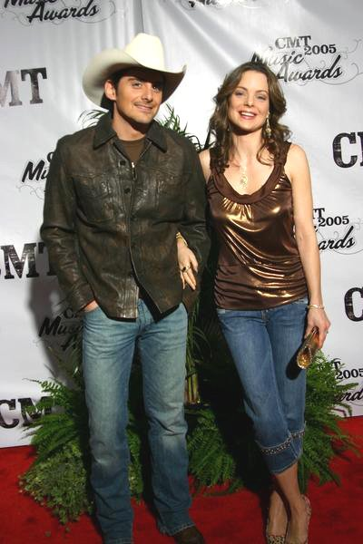 brad paisley and wife. Brad Paisley, Kimberly