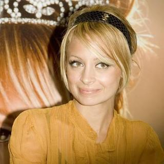 Nicole Richie - The Truth About Diamonds Book Signing