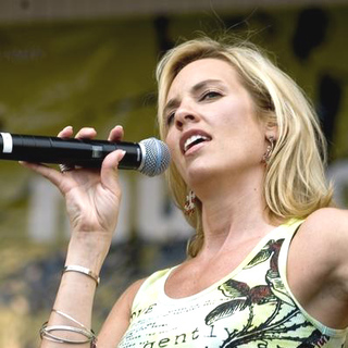 SHeDAISY in Chicago Country Music Fest - ADB-005882