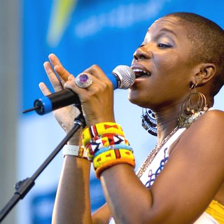 India.Arie in Taste of Chicago, Co-Hosted by WGCI Radio Station, Celebrating India's first #1on Billboard - ADB-005920