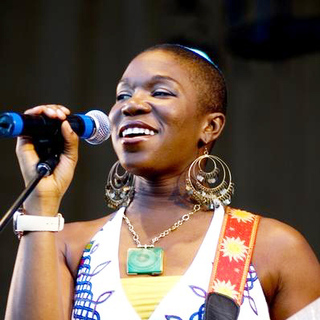 India.Arie in Taste of Chicago, Co-Hosted by WGCI Radio Station, Celebrating India's first #1on Billboard - ADB-005923