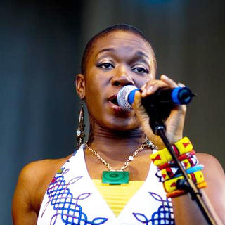 India.Arie in Taste of Chicago, Co-Hosted by WGCI Radio Station, Celebrating India's first #1on Billboard - ADB-005940