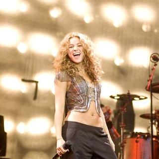 Shakira - Oral Fixation Tour 2006