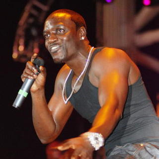 Akon in Chicago's B96 Summer Bash