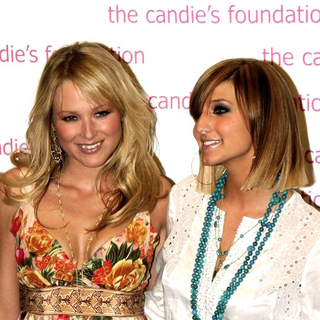 Ashlee Simpson, Jewel Kilcher in The Event To Prevent A Benefit for the Candie's Foundation For the Prevention of Teenage Pregnancy