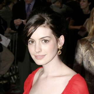 Anne Hathaway in The Devil Wears Prada New York Premiere - Arrivals