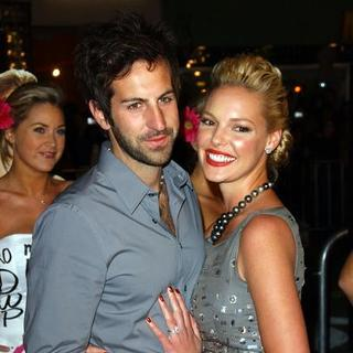"Katherine Heigl, Josh Kelley in ""27 Dresses"" Los Angeles Premiere - Arrivals"