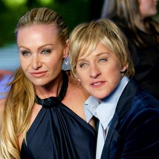 Ellen DeGeneres, Portia de Rossi in 2007 Vanity Fair Oscar Party