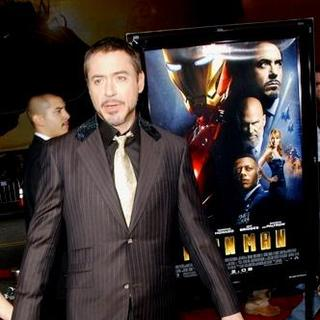 "Robert Downey Jr. in ""Iron Man"" Los Angeles Premiere - Arrivals"