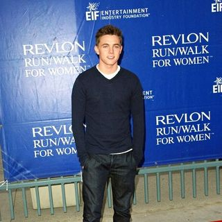 Jesse McCartney in 15th Annual EIF Revlon Run/Walk For Women