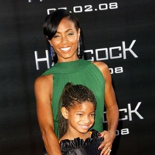"Jada Pinkett Smith, Willow Smith in ""Hancock"" Premiere - Arrivals"