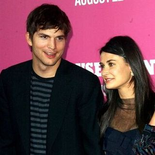 "Ashton Kutcher, Demi Moore in ""The House Bunny"" Los Angeles Premiere - Arrivals"