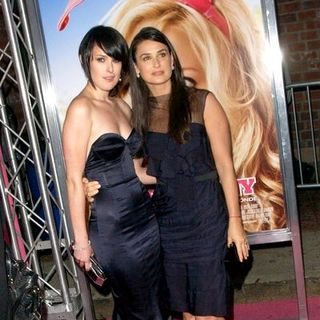 "Rumer Willis, Demi Moore in ""The House Bunny"" Los Angeles Premiere - Arrivals"