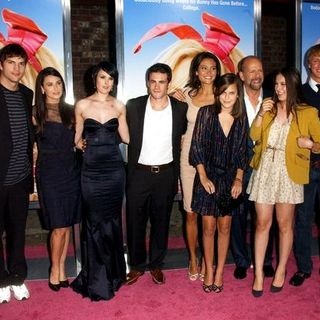 "Rumer Willis, Ashton Kutcher, Demi Moore, Micah Alberti, Bruce Willis, Emma Heming, Scout Willis, Tallulah Willis in ""The House Bunny"" Los Angeles Premiere - Arrivals"