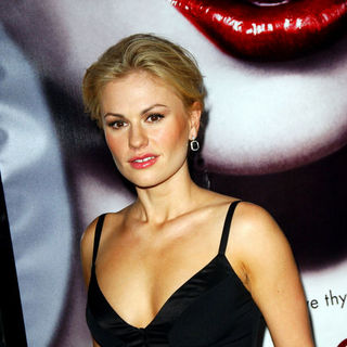 "Anna Paquin in HBO Series ""True Blood"" Los Angeles Premiere - Arrivals"