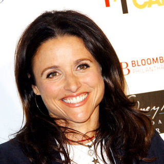 Julia Louis-Dreyfus in Stand Up To Cancer - Arrivals
