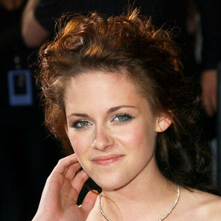 "Kristen Stewart in ""Twilight"" Los Angeles Premiere - Arrivals"