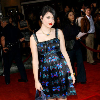 "Frances Bean in ""Twilight"" Los Angeles Premiere - Arrivals"