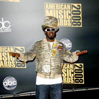 T-Pain in 2008 American Music Awards - Arrivals