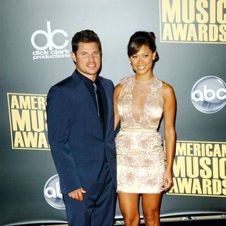 Nick Lachey, Vanessa Minnillo in 2008 American Music Awards - Arrivals